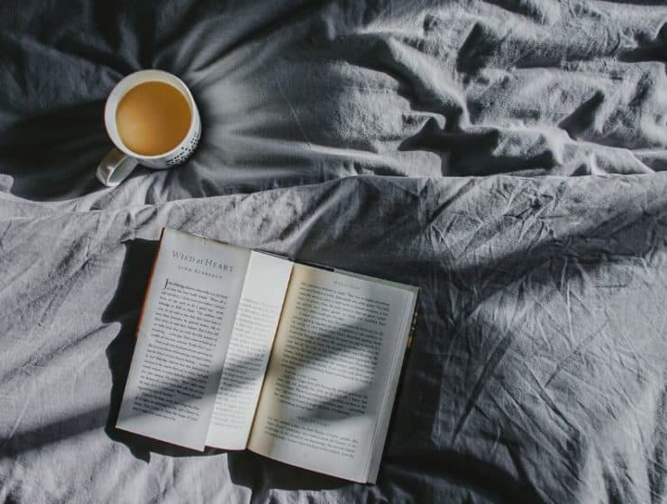 Book_and_Tea_In_Bed.JPG