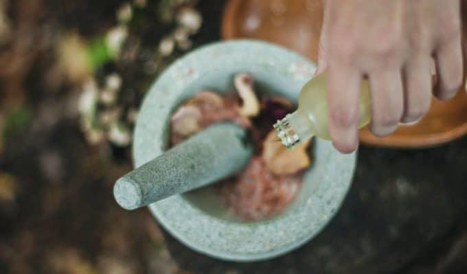 Herbs_In_Pestle_And_Mortar.JPG